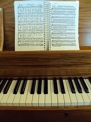#29 Christmas Music (picsbyrita) Tags: christmas keys piano ivory christmasmusic ansh scavenger29 allnewscavengerhunt