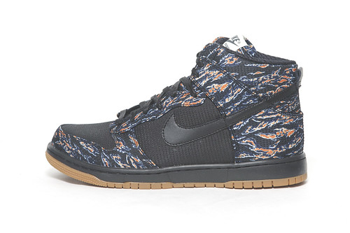 "Nike Dunk High Supreme ""Tiger Camo"" by Futura"