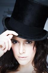 Rosa (Ana Lobi) Tags: portrait hat retrato rosa estudio primer sombrero plano chistera