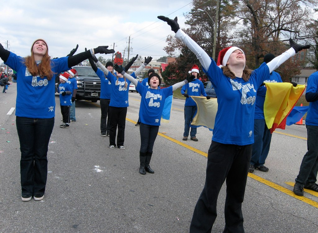 Benei Aor USA in Christmas Parade