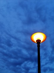 Lamp of the Blue Hour (KYin1221) Tags: california blue sky orange usa black lamp beautiful yellow clouds evening losangeles cloudy bluehour thechallengefactory kyphotography lostinlifeagain
