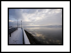 Dreamy Winter View - Cool Curves and Snow River Tay Dundee Scotland (Magdalen Green Photography) Tags: winter snow scotland solitude riverside rivertay dundee tayside dsc6369 scottishwinter scottishbeauty dundeewinter coolcurves iaingordon picturesofdundee dundeephotography dreamywinterview dundeewinterscene dundeeimages imagesofdundee dundeestockphotography printsofdundee