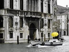 Yellow ... (zsozso68) Tags: venice italy rain yellow umbrella canon eos boat canal italia grand palazzo venezia 3000v citrit luxtop100 fotofulhu