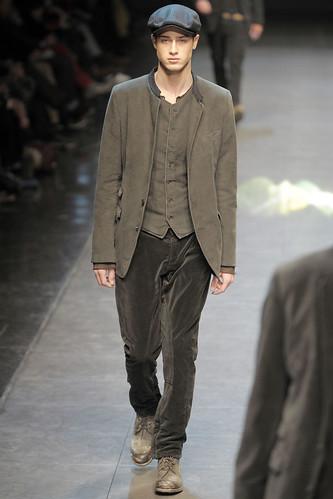 Aram Gevorgyan3082_FW10_Milan_Dolce&Gabbana_HQ(gsquared2@mh)