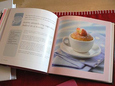 strawberry cupcake.jpg