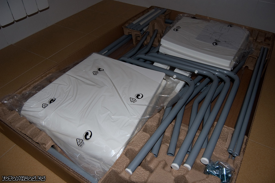 Foto Montaje mesa Laver con 4 sillas de IKEA
