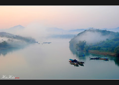 Cnh nh - Near my home (Ha Hai) Tags: morning nature fog landscape boat vietnam coth flickrexplore huongriver huecity nikond700 nikkor2485mmf284 vongcanhhill goldenart flickrclassique coth5 peregrino27newvision