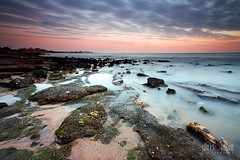 Harmony (Chris Sanan) Tags: longexposure sunset sea seascape beach nature water canon scenic kuwait canon1740l leefilterholder canon5dmarkii lee09nd lee77waadapterring lightbenders edafabeach lee09gndhe
