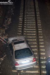 PKW stürzt auf Gleis in Biebrich 18.02.10