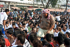 Man Mountain (Ursula in Aus) Tags: tattoo thailand yantra tattooing waikhru nakhonpathom นครปฐม ประเทศไทย sakyant tattoofestival รอยสัก watbangphra nakhonchaisi earthasia nakhonchaisri totallythailand วัดหลวงพ่อเปิ่น ครู รูปสัก วัดบางพระ ลายสัก สักยันต