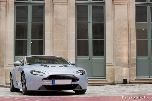 blue car nikon dream automotive british 28 gt nikkor afs vehicule f28g nikkor70200 nikkor7020028 d700 nikond700 afsvr70200f28g astonmartinv12vantage