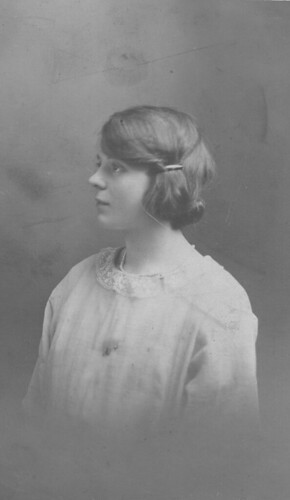 Mable Lauder, sister of Peggy, 1920s.