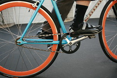 Clipless pedals on fixed gear bike (Richard Masoner / Cyclelicious) Tags: blue orange me bicycle socks cycling singlespeed fixie fixedgear argyle rims kona bandwagon deepdish shimano clipless