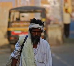 Jaipur 8am - Man (Lou Morgan) Tags: india man asia indian jaipur rajasthan pinkcity louisemorgan lpsolitude