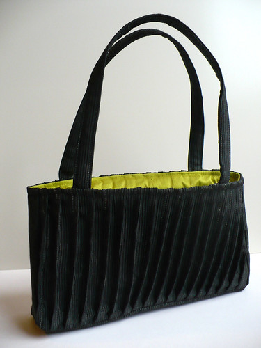 The pleat experiment reincarnated as a bag.