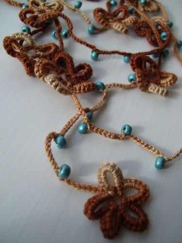 Crocheted lariat