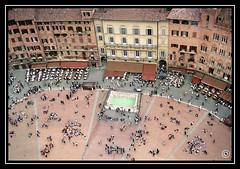 Sienne (Very Important Photo) Tags: tour place sienna campanile siena toscana toscane sienne placedupalio