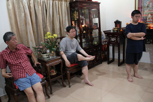 Seng Guan, Seng Kee with their dad, Uncle Tan