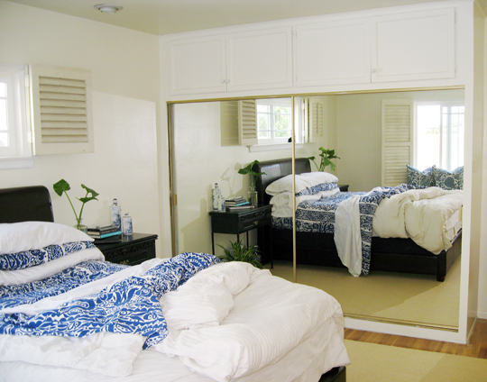 blue+white+beach+master+bedroom