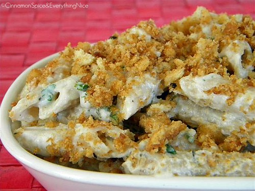 Ricotta Cauliflower Cream Pasta w/ Toasted Garlic Bread Crumbs