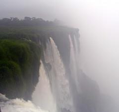 Chutes vues de près... (Suzon2010) Tags: argentine eau iguazu chutes rivières