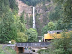 UP_multnomah_falls