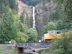 UP_multnomah_falls