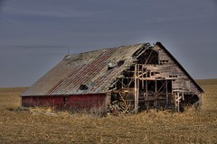 Not aging very well (jc-pics) Tags: barn rural nikon decay sigma os hdr d90 photomatix hsm nikonsigma 18250mm