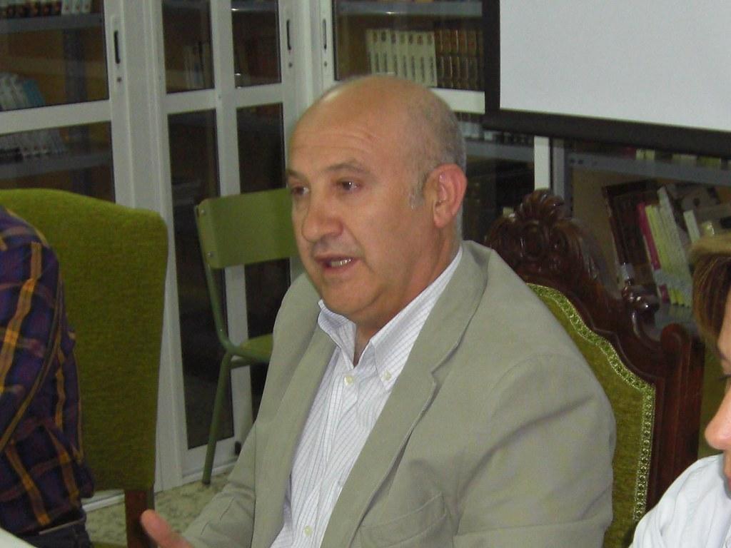 CURSO 2009 - 2010 EL DEPARTAMENTO DE ACTIVIDADES EXTRAESCOLARES DA LA BIENVENIDA AL NUEVO DIRECTOR