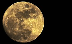 luna_27_04 (www.infografiagijon.es) Tags: moon night canon asturias luna aviles fotografia oviedo gijon xixon markii asturies infografia astur eos5d infografias infoarquitectura nocturana hernancad wwwinfografiagijones