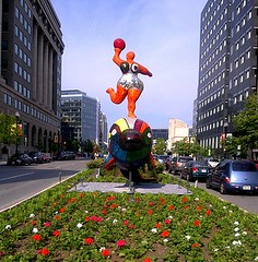 sculpture by Niki de Saint Phalle (photo by Oren Levine, creative commons license)