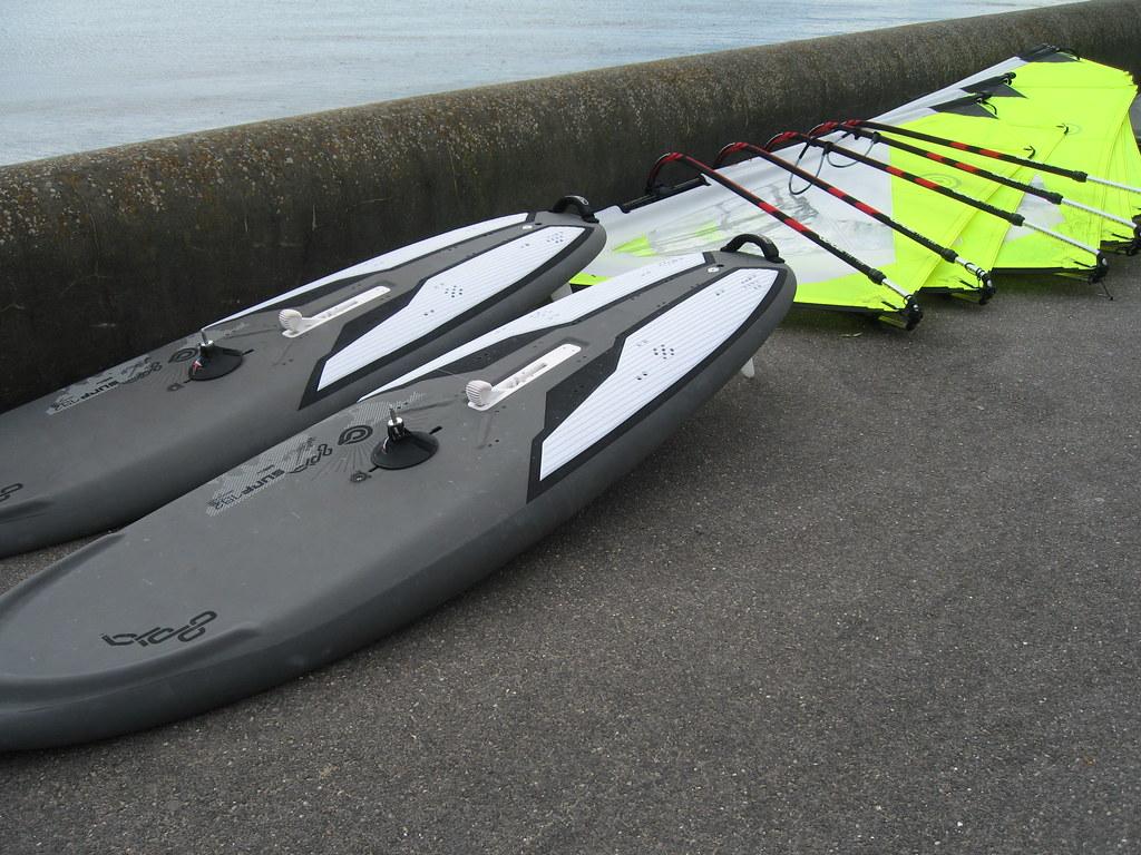 Brand New 2010 Goya Windsurfing 'Surf' 192lt boards & 'Surf' beginners windsurf sails