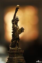 Statue of Liberty in Kuwait ;P (ZiZLoSs) Tags: macro canon eos focus usm statueofliberty f28 aziz ef100mmf28macrousm abdulaziz  ef100mm 450d zizloss  canoneos450d 3aziz almanie hamadalsarraf abdulazizalmanie httpzizlosscom