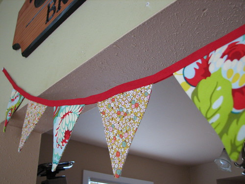 in this three part DIY series on making festive wedding banners Wooooo
