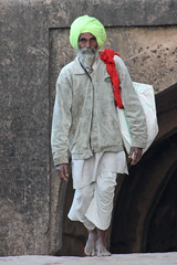 The man in the green turban (ejhrap) Tags: india fort rajasthan ranthambore flickrgolfclub earthasia remembertotagearthasia