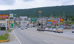Breezewood 7 (Sean_Marshall) Tags: trafficlight pennsylvania gap interstate breezewood trafficsignal us30 interstate70