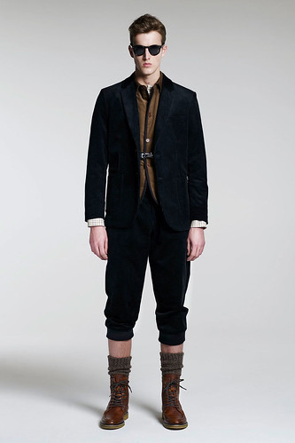 James Smith3057_FW10_London_B Store(GQ.com)