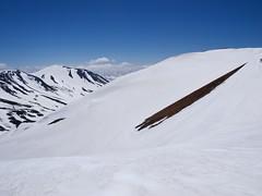 安足間岳のナイスな斜面越しの旭岳
