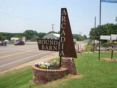 Round Barn / Sign
