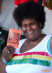 PICK FROS NOT FIGHTS! UCLA ReggaeJazz Fest - Day 2 (4 of 6) (FROLAB) Tags: hair peace natural afro jazz ucla pick reggae fest fro fights fros frolab pickfrosnotfights frospotting frospotted missfrolab