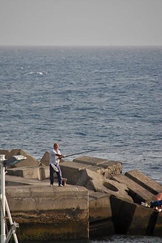 Pescando en el muelle