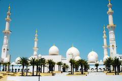 Sheikh Zayed Mosque (Lee_Bryan) Tags: abudhabiuae sheikhzayedmosque thirdlargestinuae eighthlargestintheworld