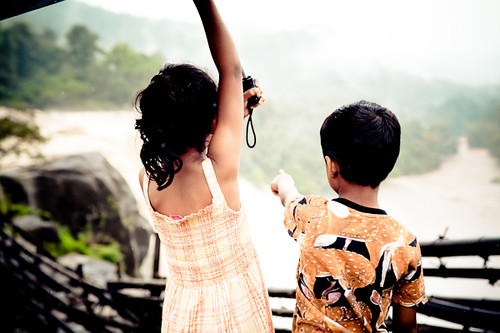 The kids enjoying the splendour, Athirapally - Chitra Aiyer Photography
