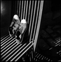 striped shoes • noyers, burgundy • 2010 (lem's) Tags: wood chair shoes burgundy stripes bronica bourgogne chaise bois chaussures bensimon rayures zenza noyers carréfrançais
