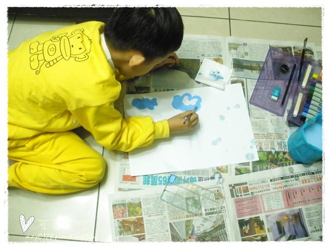 20091113_3在家畫畫.JPG