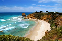 Beach at the Great Ocean Road (msdstefan) Tags: pictures trip travel vacation sky panorama lighthouse holiday beach strand landscape pacific pics urlaub au australia victoria nikond50 best southpacific australien greatoceanroad landschaft rtw leuchtturm nicest pazifik sdpazifik kartpostal landschaftsbild flickraward platinumheartaward thisphotorocks flickrestrellas 100commentgroup expressyourselfaward platinumbestshot yourwonderland mygearandmepremium mygearandmebronze mygearandmesilver mygearandmegold mygearandmeplatinum mygearandmediamond