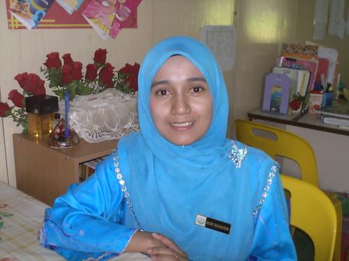 Cikgu cantik ni pula Cikgu Nor Suhaida binti Ariffin. Beliau mengajar