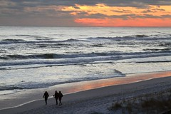 Christmas Sunset (babasteve) Tags: sunset people usa beach gulfofmexico water sand waves gulf florida destin christmasday babasteve steveevans