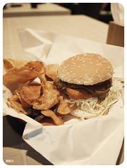 burger bench & bar, singapore, 2009 (momofuku ando) Tags: food geotagged singapore geo:lat=1298449 geo:lon=103838256 olympusep1 olympus17mmpancake