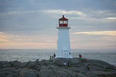 Peggy's Cove, Nova Scotia (jonfromnsca) Tags: lighthouse canada novascotia icon peggyscove beacon freshlypainted lighthouseroute halifaxregionalmunicipality canonxsi canonefs55250